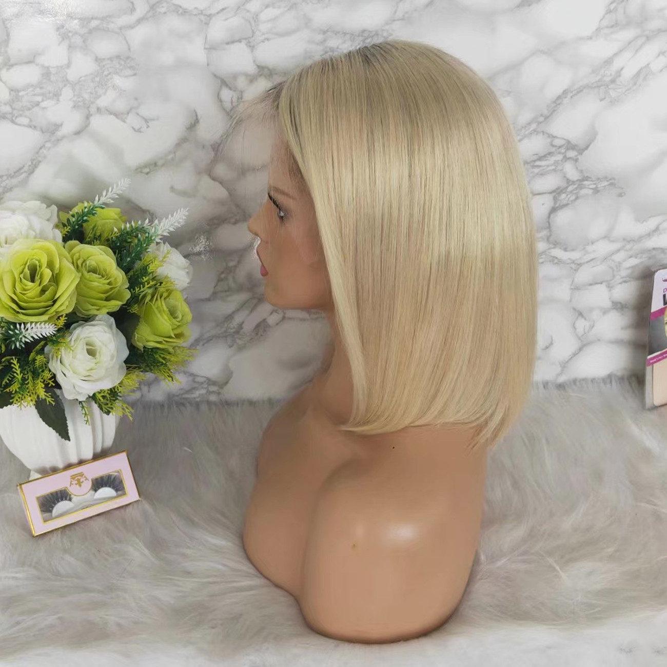 show the lace wigs to customers